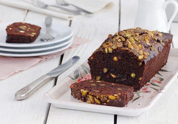 עוגת שוקולד בחושה עם פיסטוקים