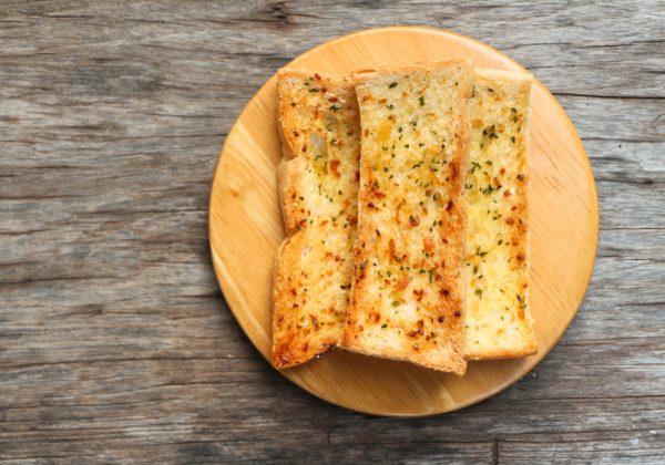 לחם שום